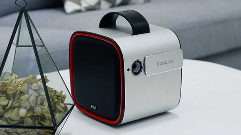 COOLUX R4 a full HD Android mini projector with an innovative design